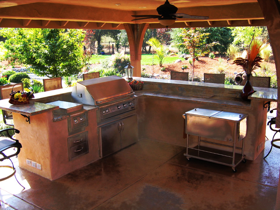 Small, Budget-Friendly Outdoor Kitchens - Landscaping Network |Landscape Outdoor Kitchens