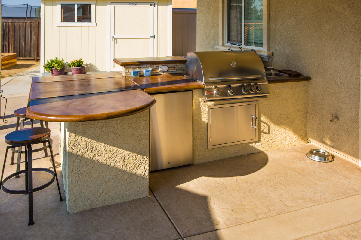 Outdoor Kitchens in Landscaping